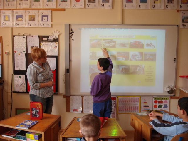 Aktívtábla alkalmazása hallássérült tanulók oktatásában