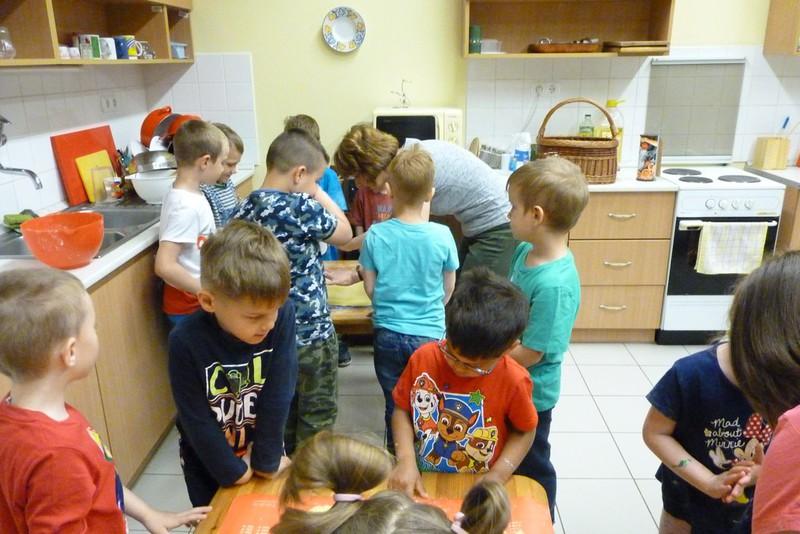 Süteménykészítés az óvodában_8