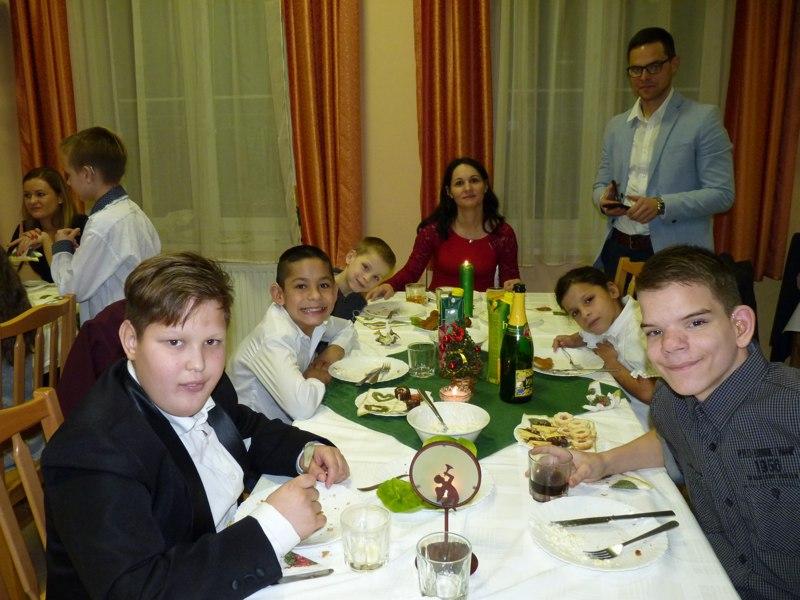Karácsonyi_vacsora_kollégium#_0001