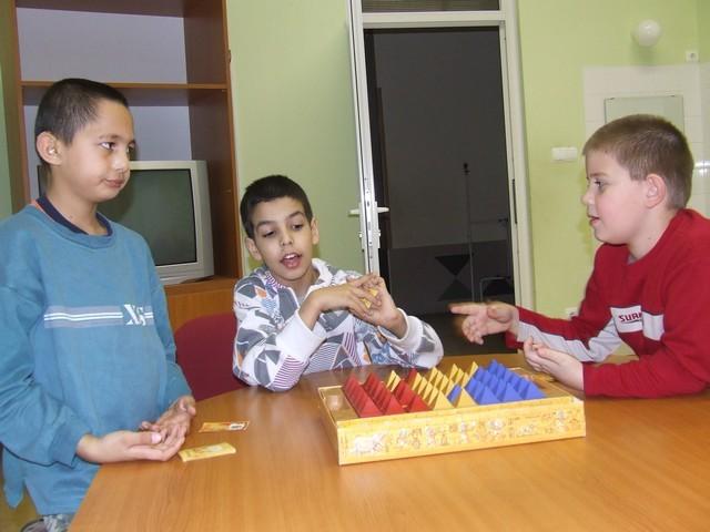 játéktanítás-társas (2).jpg