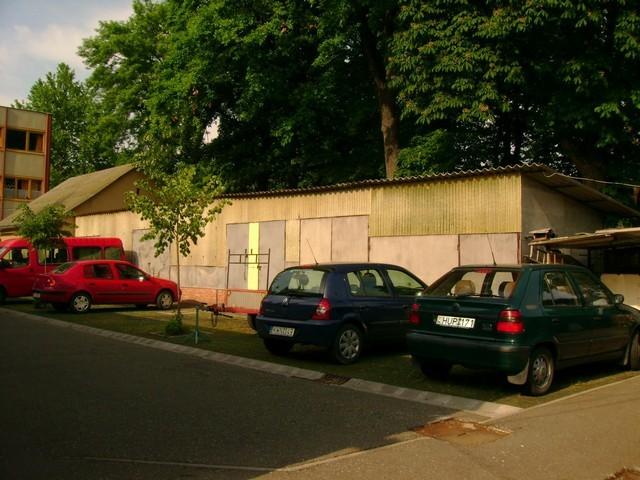 Gépkocsi parkunk